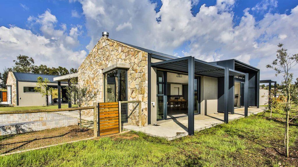 Veld Architects - Contemporary Farmhouse